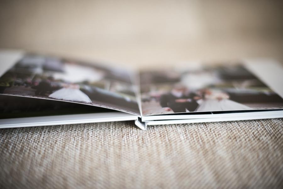 Fotograf-Hochzeits-Album-Standesamt-Hamburg-Ahrensburg-Timmendorfer-Strand.0001 Hochzeitsfoto Album gestalten lassen